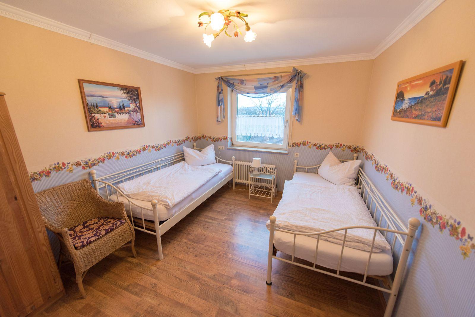 Ferienwohnung Dannhauer in Hohenacker - Zweibettzimmer