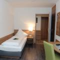 15 09 K 261 Renovierung Hotel Lamm Hegnach Bitte für zwei Seiten ausreichend Bilder machen, ca 10 Stück. Gästezimmer Altbau